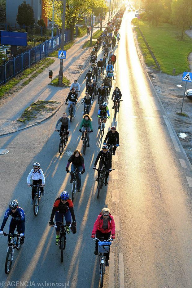 Zdjęcie numer 0 w galerii - Rowerzyści przejechali ulicami miasta. Mieli swój cel [ZDJĘCIA]