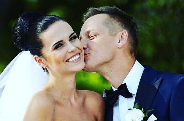 Marcin Mroczek wziął ślub 4 lata temu. Aktor uczcił rocznicę wpisem na Facebooku. Dodał zdjęcie z żoną i... cytat Jana Pawła II.