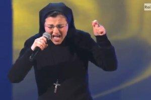 �piewaj�ca siostra Cristina bije rekordy. Zachwyceni s� muzycy, a nawet Watykan