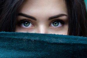 Spieszysz się? Znamy 7 kosmetyków, które pomogą ci zaoszczędzić sporo czasu