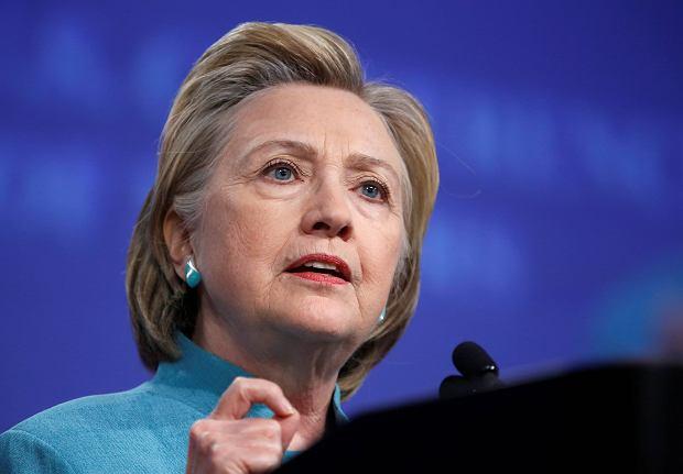 Po zasłabnięciu Hillary Clinton odwołuje spotkania wyborcze