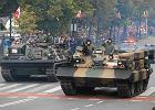 Sprz�t wojskowy na ulicach Warszawy. Przesz�a wielka defilada