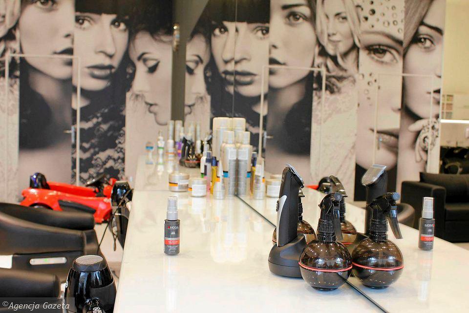 Nowy Salon Fryzjerski W Karolince W Nim Specjalny Fotelik Dla