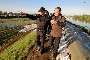 """Premier o zagro�eniu powodzi�: """"Mo�e uda si� unikn�� czarnego scenariusza"""". Najgorzej na �ywiecczy�nie"""