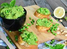 Pasta z zielonego groszku z dodatkiem orzeszk�w i �wie�ej bazylii - ugotuj