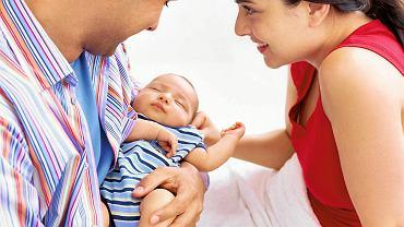"""Pamiętajcie, że pewne zachowania maluszka są naturalne na jego etapie rozwoju. Nigdy nie są """"złośliwe"""" ani skierowane przeciw rodzicom."""