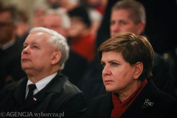 Celna wojna wewnętrzna z prezesem Kaczyńskim w tle