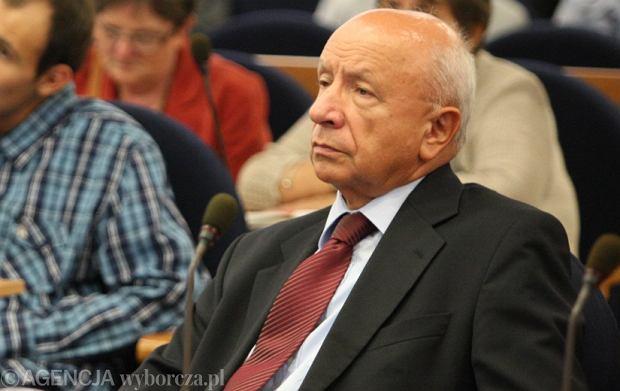 Ks. prof. Szostek o prof. Chazanie: lekarz musi respektowa� prawo