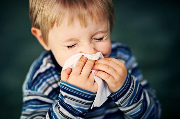 Zakatarzony maluch - jak wzmacniać odporność dziecka?