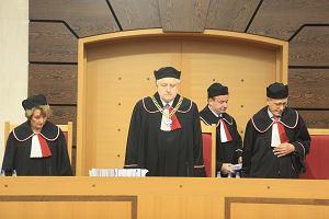 Wyrok Trybunału Konstytucyjnego ws. nowej ustawy o TK, Tomasz Arabski stanie przed sądem [CZWARTEK W SKRÓCIE]