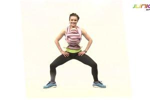 Trening z chustą. Ćwiczenia na wewnętrzną stronę ud