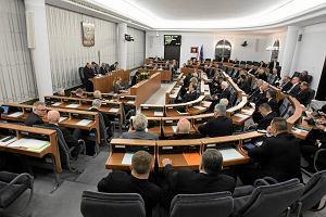 Senat wykreślił z prawa o zgromadzeniach pierwszeństwo dla władzy i kościołów. Zgodnie głosowało PiS i PO