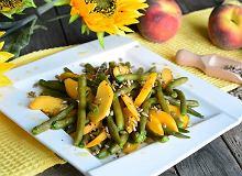 Zielona fasolka z brzoskwinią i prażonym słonecznikiem - ugotuj