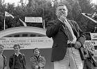 Lech Wałęsa oraz kandydaci Solidarności - Lech Kaczyński i Bogdan Lis, 1 czerwca 1989 roku - zdjęcie ilustracyjne