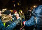 Kaczyński przyjechał na Wawel, a tam już czekali na niego protestujący [ZDJĘCIA]