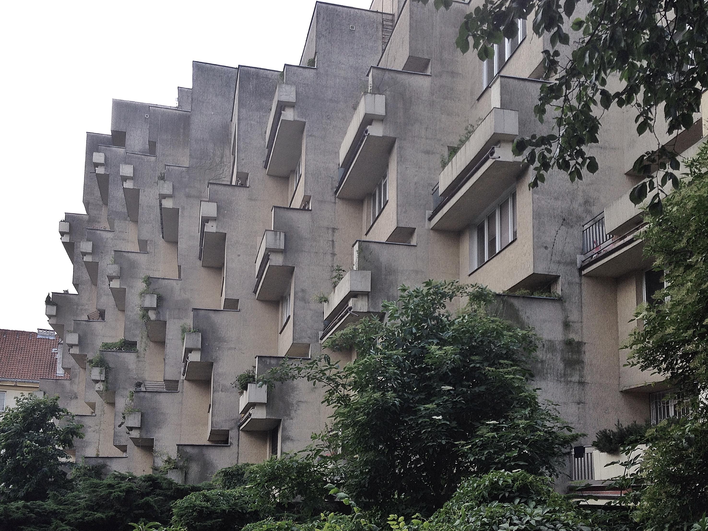 Można mieszkać w stolicy, przechodzić dziesiątki razy obok tego budynku i nadal nie mieć o jego istnieniu bladego pojęcia