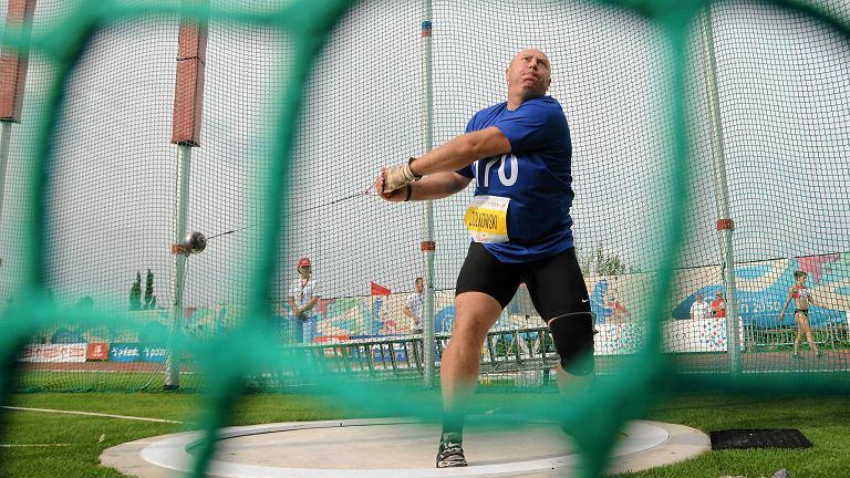 <b>Szymon Ziółkowski</b> (OŚ AZS Poznań, 38 lat) - rzut młotem