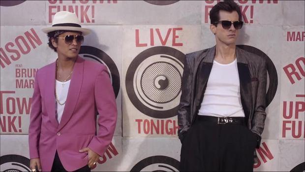 To już nie pierwszy raz kiedy przebój Marka Ronsona i Bruno Marsa jest oskarżany o plagiat. Wszystko zaczęło się od rozdania nagród Grammy w 2016 roku. Autorzy hitu milczą.