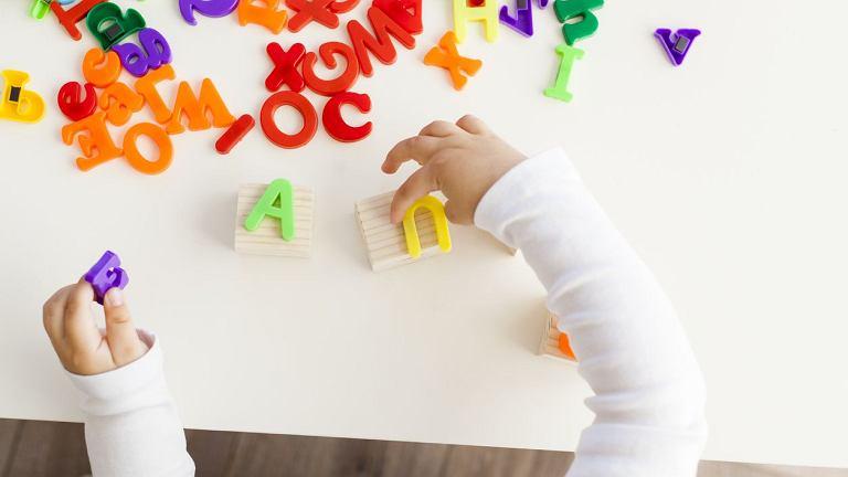 Co robić, gdy - z różnych przyczyn - nie wychodzicie na dwór? Zabawy dla dzieci w domu to coś, co może okazać się waszą ulubioną aktywnością, dajcie się ponieść fantazji.