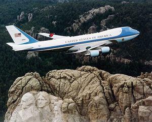 Make Life Harder: poradnik podróżnika, samolot, make life harder