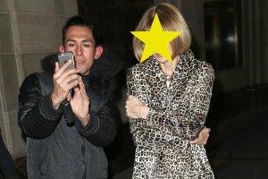 Anna Wintour ju� dawno zapowiedzia�a, �e nigdy nie zrobi sobie selfie, jednak kto� pr�bowa�. Jej reakcja? Brr...