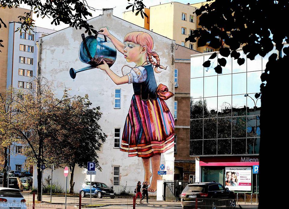 Dziewczynka z konewk zazna spokoju nikt ju jej nie ruszy for Mural bialystok dziewczynka z konewka