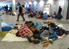 Uchodźcy jadą do Austrii, ale w Budapeszcie nadal tłumy [JESTEM NA MIEJSCU]