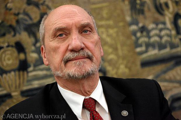"""Katastrofa smoleńska: Macierewicz pisze do prokuratury w sprawie komisji Millera. """"Podejrzenie przestępstwa"""""""