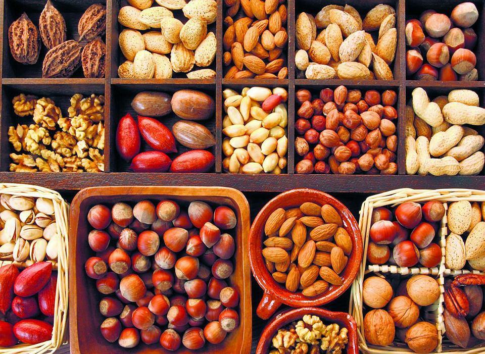 11 Powodów, Dla Których Warto Jeść Orzechy