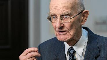 Przemówienie Morawieckiego wyprowadziło z równowagi 93-letniego prof. Ryszarda Krasnodębskiego, który nie czekając na odznaczenie, opuścił uczelnię