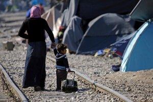 250 tys. euro za każdego odesłanego uchodźcę. Takich kar dla państw UE chce Komisja Europejska