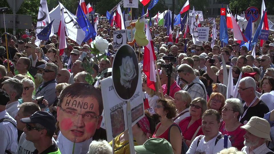 Znalezione obrazy dla zapytania zdjęcia do  Protesty przeciwko reformie sądownictwa