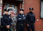 Ameryka�ska policja obrabuje ci� w bia�y dzie�