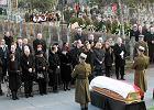 Ostatnia droga J�zefa Oleksego. Pogrzeb, zgodnie z jego wol�, ko�cielny. &