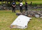 """""""To nie fragment samolotu tylko zwyk�a drabina"""". Malezja dementuje informacje o znalezieniu drzwi zaginionego w 2014 boeinga 777"""