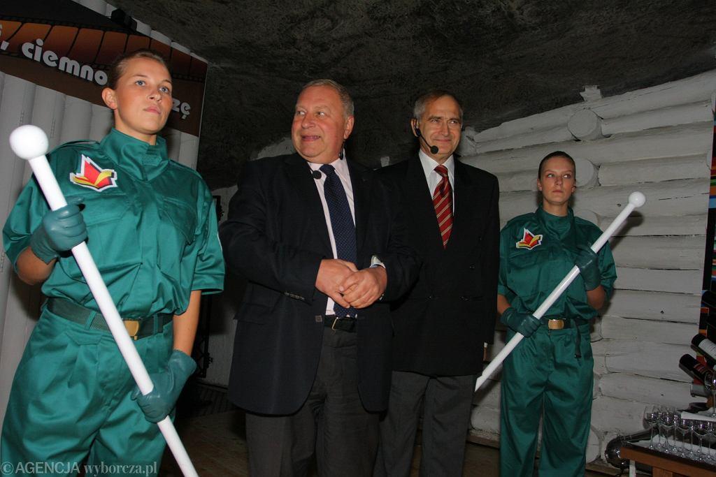 Olgierd Łukaszewicz i Jerzy Stuhr na otwarciu wystawy poświęconej 25. rocznicy filmu 'Seksmisja' (Wieliczka 2009)