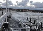 10 w skali Beauforta! Sztorm niszczy sopockie molo, najwyższy stopień zagrożenia