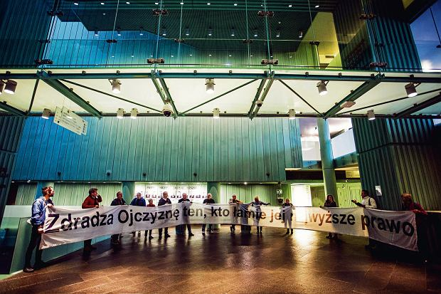 24.09.2018 r., Warszawa, plac Krasińskich. Protest Obywateli RP  w Sądzie Najwyższym