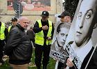 Policja zatrzyma�a 22 NOP-owc�w przed Teatrem Wsp�czesnym