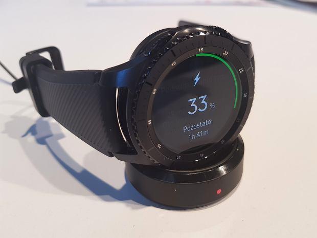 Samsung Gear s3 - ładowanie