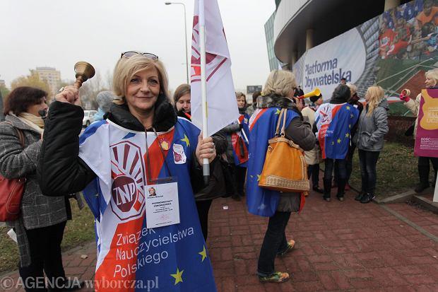 Nauczyciele protestowali w Warszawie. Nie chc� zmian w Karcie nauczyciela