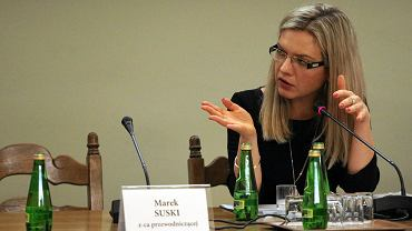 Posiedzenie sejmowej komisji w sprawie Amber Gold. Na zdjęciu przewodnicząca Małgorzata Wasserman