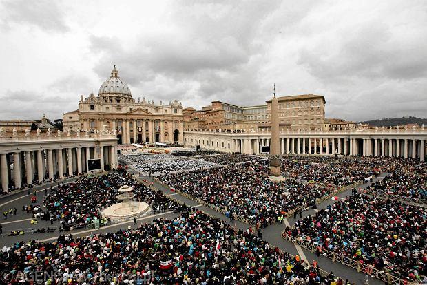Watykan: zatrzymania w sprawie wycieku tajnych dokument�w