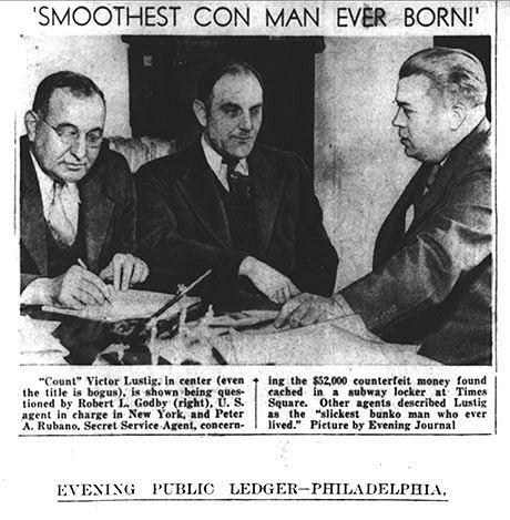 Victor Lustig (w środku) zdjęcie zamieszczone w gazecie codziennej w 1935 roku
