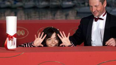 Festiwal w Cannes w roku 2000. Björk i Lars von Trier cieszą się z nagród - za najlepszą rolę żeńską i za najlepszy film