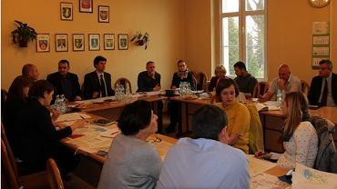 Spotkanie urzędników trzech powiatów zainteresowanych budową trasy nad Jeziorem Goczałkowickim