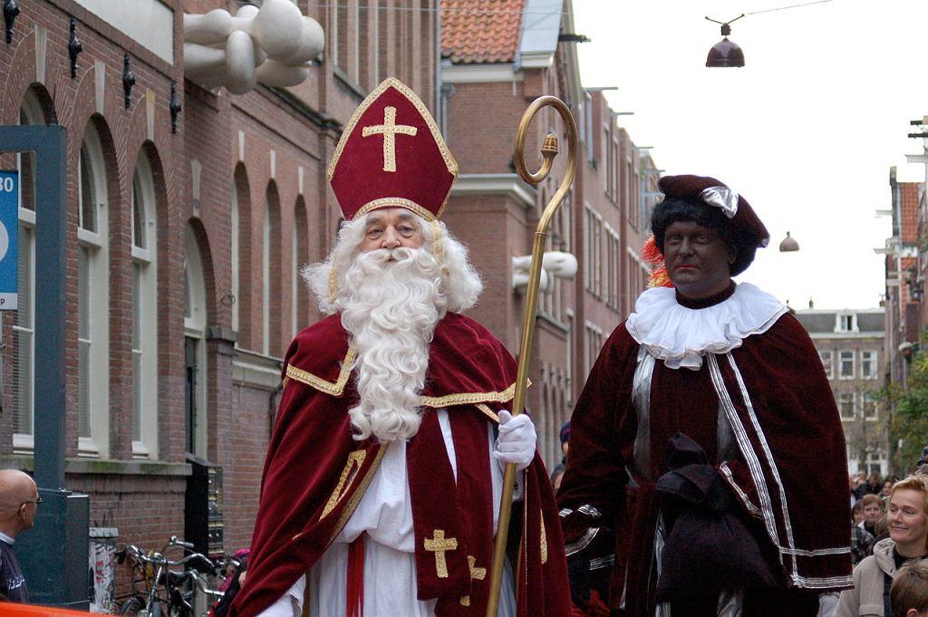 Sinterklaas i Zwarte Piet / Fot. Michell Zappa, Wikimedia CC BY-SA 2.0.