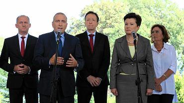 Liderzy PO informują o dymisjach w warszawskim ratuszu. Na zdjęciu: Sławomir Neumann, Grzegorz Schetyna, Witold Pahl i Hanna Gronkiewicz-Waltz