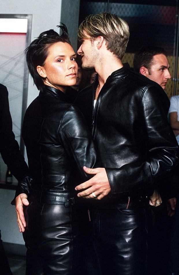 Zdjęcie numer 2 w galerii - Victoria Beckham dziś jest ikoną stylu, a pamiętacie, jak wyglądała kiedyś? Wspomina swoją NAJWIĘKSZĄ wpadkę: Byłam w 9. miesiącu ciąży i...