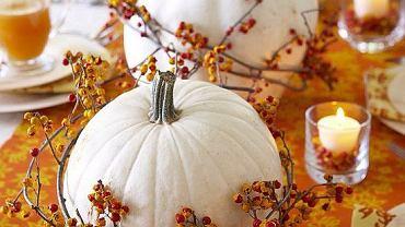 <B> Te piękne warzywa idealnie nadają się do tworzenia jesiennych dekoracji w naszych domach.</B> <Br>Dekoracja jesiennego stołu.